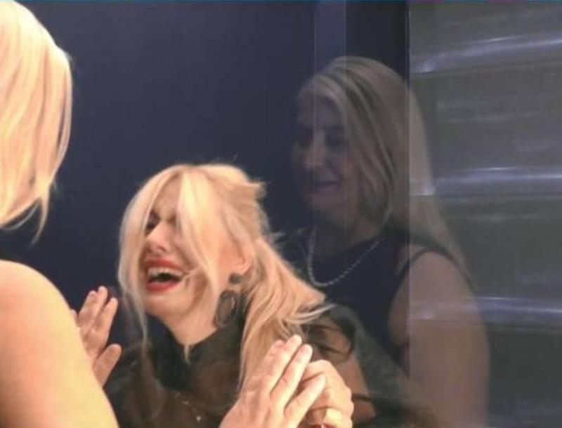 Big Brother Spoiler: Σπαράζει η Άννα Μαρία - Η συνάντηση με την μητέρα της