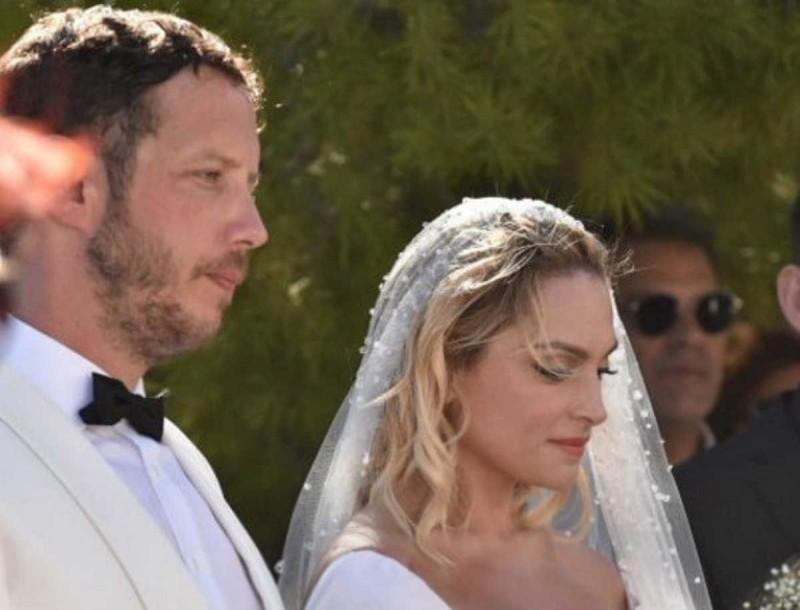 Ζουγανέλη - Δημητρίου: Όλες οι λεπτομέρειες του παραμυθένιου γάμου!