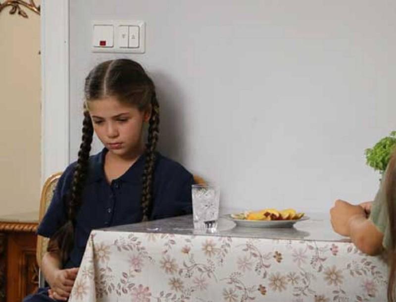 Χαμός στην Elif - Η Χουμεϊρά διώχνει με τις κλωτσιές της Ελιφ