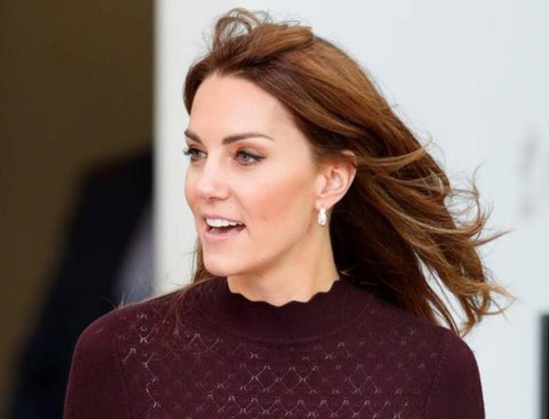 Με συνολάκι από τα Massimo Dutti η Kate Middleton - Το look που τράβηξε πάνω του όλα τα βλέμματα
