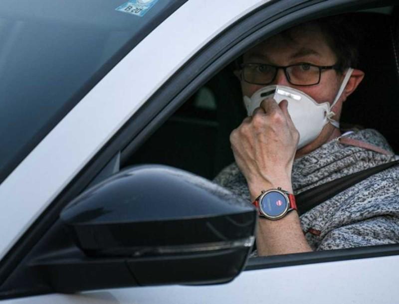 Κορωνοϊός - μάσκες: Τι ισχύει για τα αυτοκίνητα