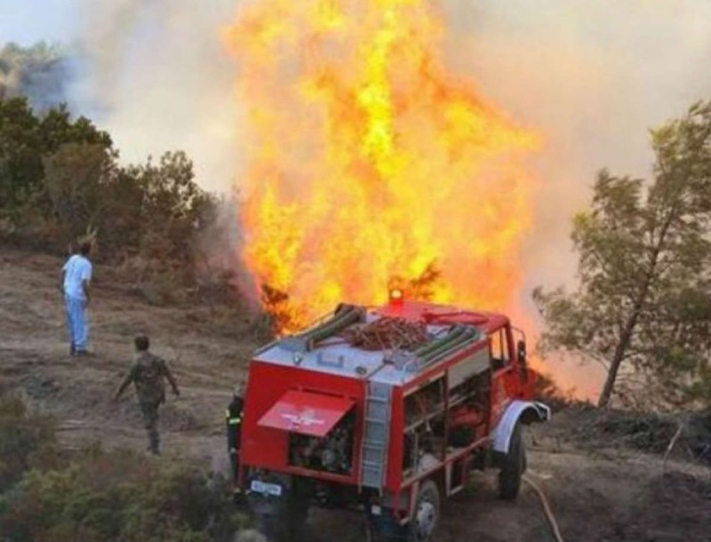 Συναγερμός στην Θεσσαλονίκη - Ξέσπασε μεγάλη φωτιά