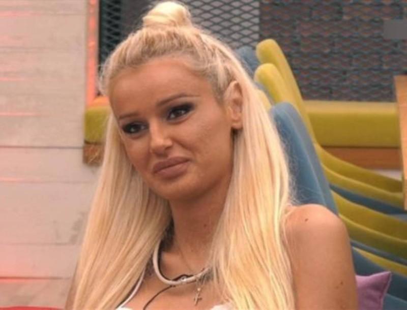 Big Brother: Η Ράνια άφησε το σπίτι και επέστρεψε στα χωράφια της - Αγνώριστη με τη φόρμα της