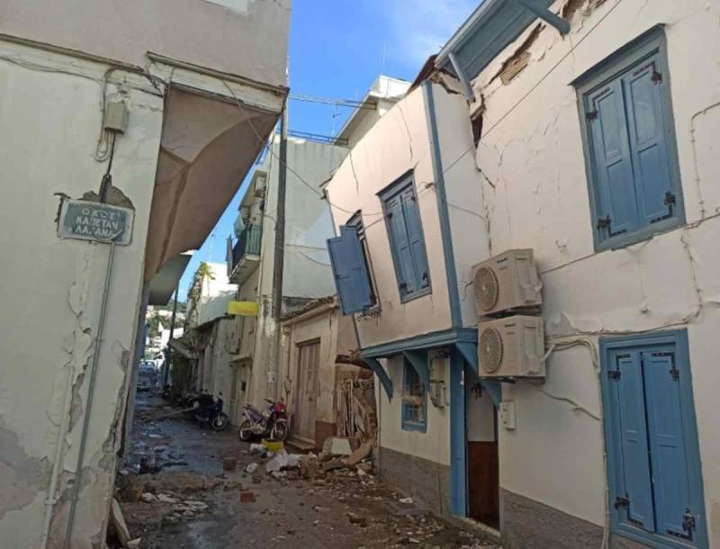 Σεισμός στη Σάμο: Καταπλακώθηκαν δύο παιδιά από τοίχο