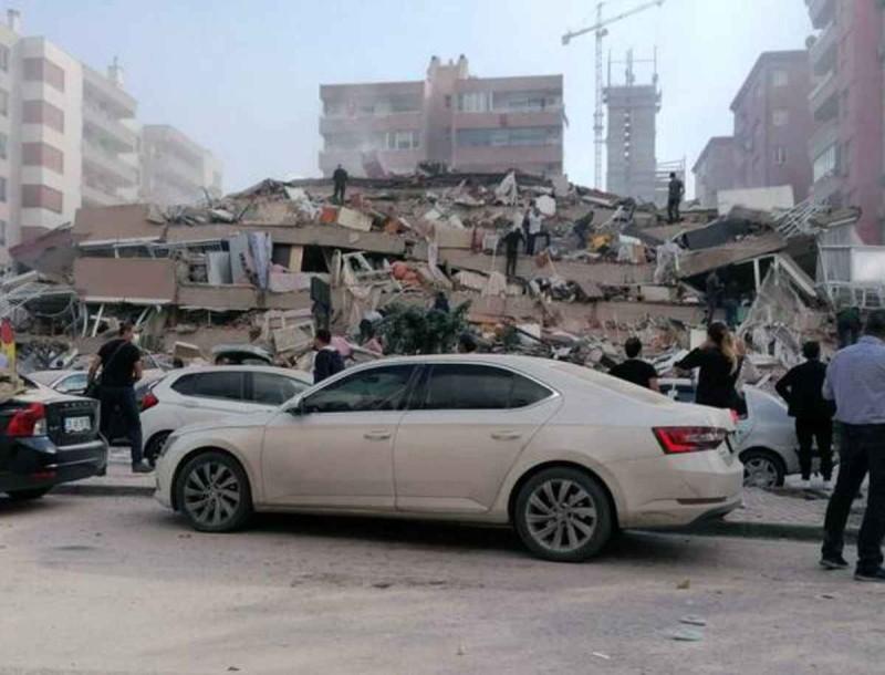 Σεισμός στη Σάμο: 4 νεκροί και 120 τραυματίες στην Σμύρνη