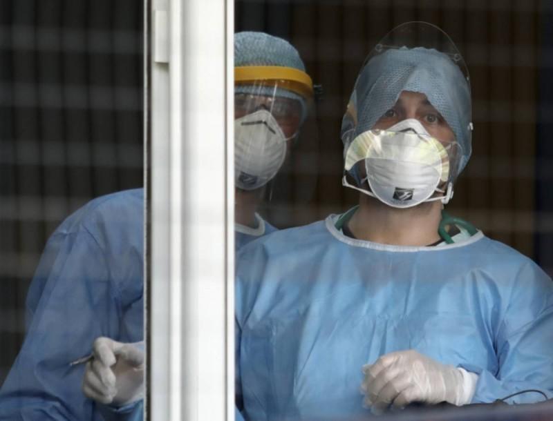 Κορωνοϊός: Εννέα νέοι θάνατοι τις τελευταίες ώρες