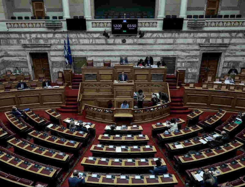 Κορωνοιός: Κρούσμα στη Βουλή - Σε καραντίνα 20 υπάλληλοι