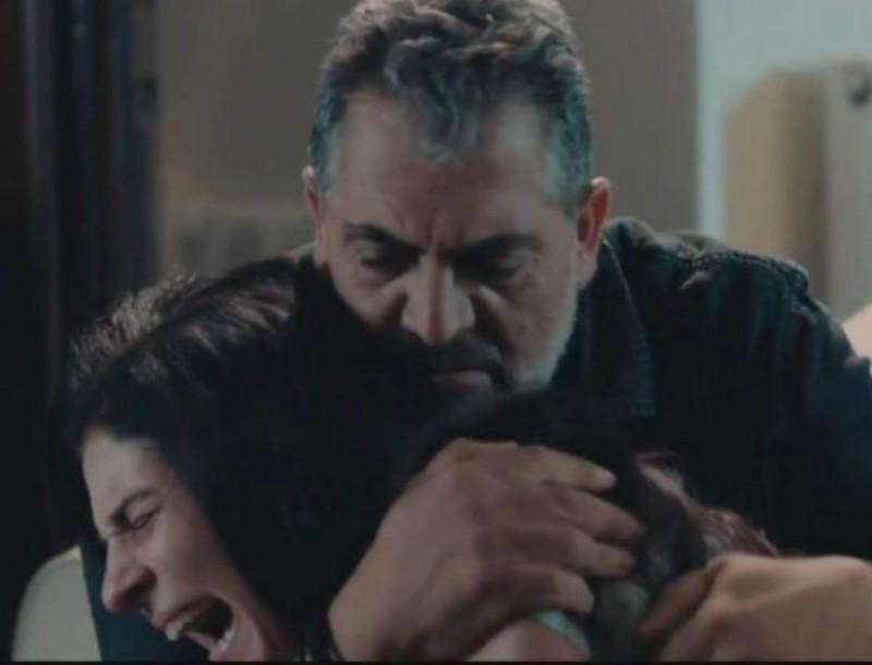 Σπαρακτικές σκηνές στις 8 Λέξεις - Θρήνος δίχως τέλος για την οικογένεια Μαρόγλου