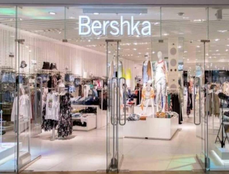 Σε συγκλονιστική τιμή το γούνινο παλτό του Bershka - Το έχουν ερωτευτεί όλες οι γυναίκες