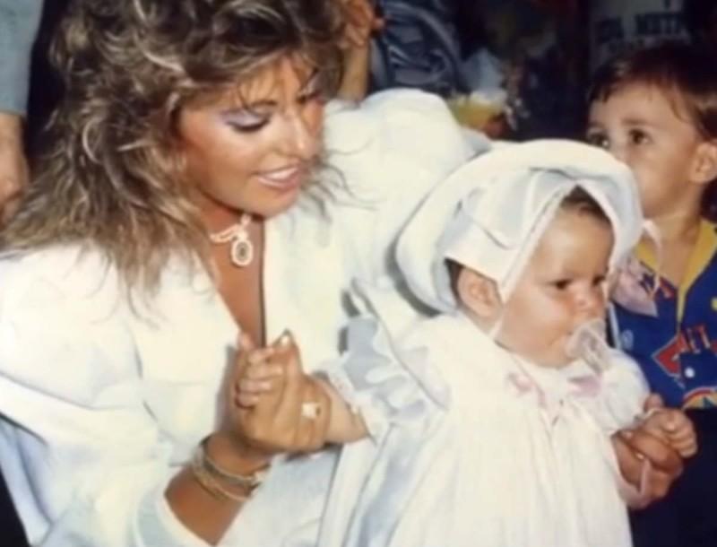 Το συγκινητικό βίντεο της Άντζελας Δημητρίου για τα γενέθλια της κόρης της