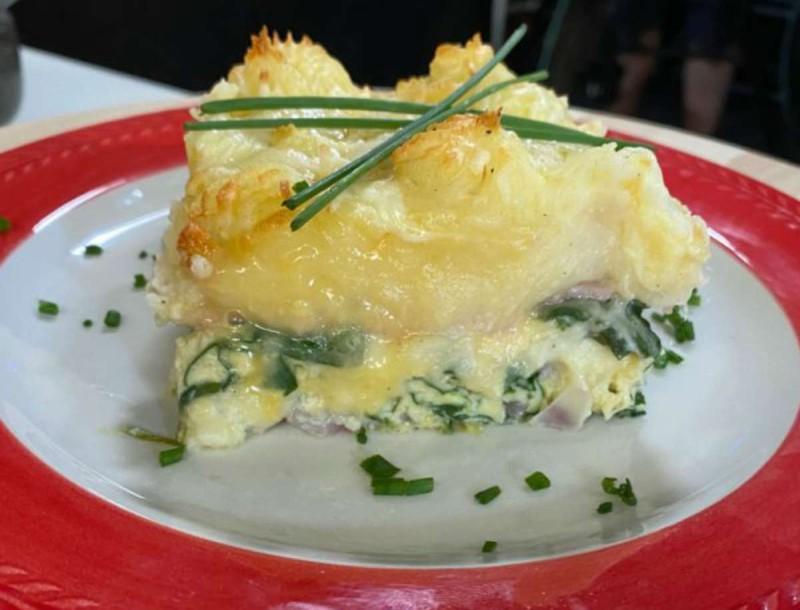 Βάλε αυγά στο φούρνο με ζαμπόν και πουρέ - Η συνταγή της Μπαρμπαρίγου που θα σε