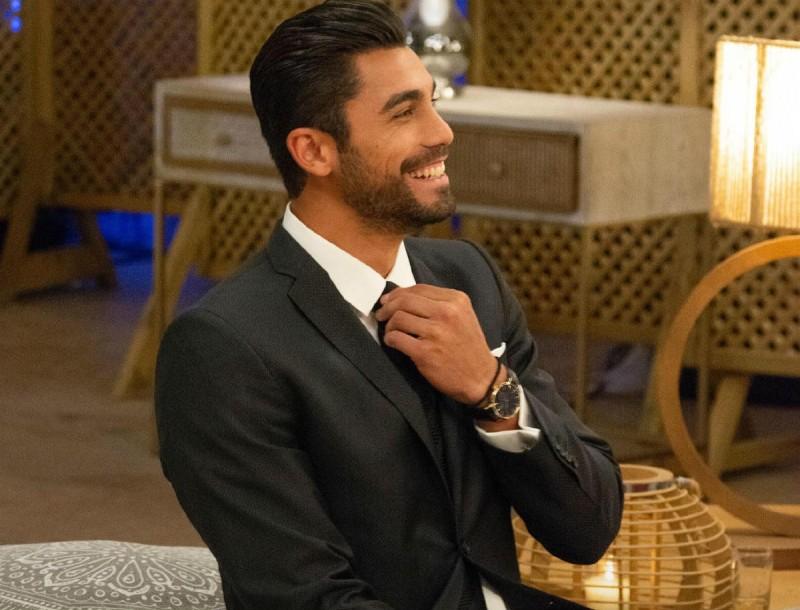 The Bachelor: Σε ποια παίκτρια δεν δίνει την Παρασκευή 4/12 ο Βασιλάκος τριαντάφυλλο - Αυτή αποχωρεί