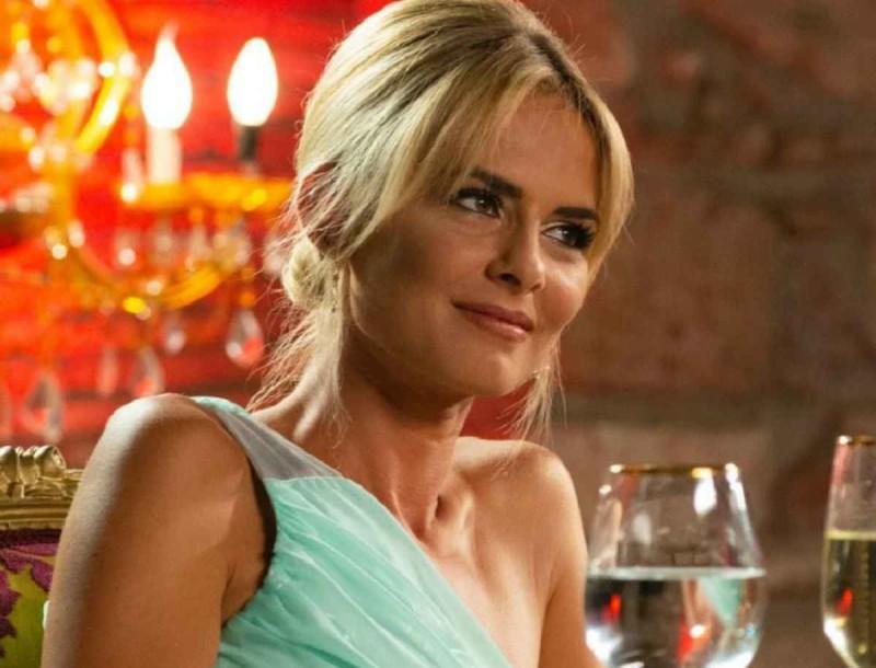The Bachelor: Πάει το ξανθό μαλλί για την Χριστίνα - Θα την ερωτευόταν σίγουρα ο Βασιλάκος έτσι