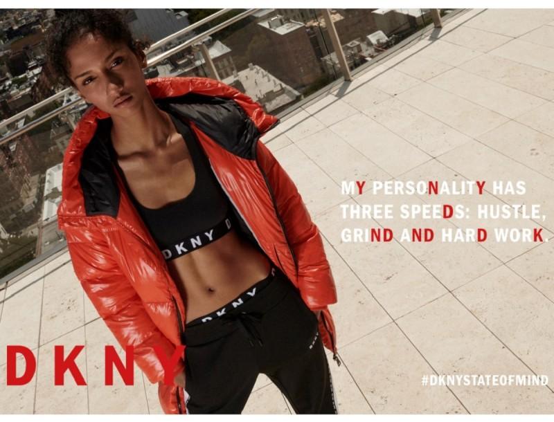 Η νέα συλλογή της DKNY μάς κλείνει το μάτι!