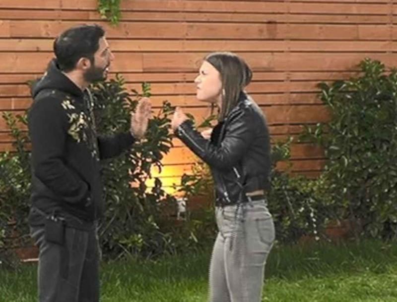 Big Brother: Αρπάχτηκαν Γρηγόρης και Ραΐσα - «Τι λες ρε μα...»