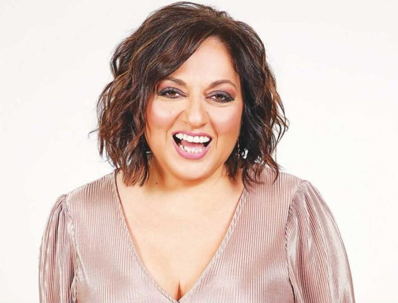 Σοφία Μουτίδου: Η παρουσιάστρια του The Booth ποζάρει με crop top και το διαδίκτυο παραληρεί