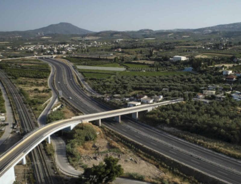 Είδηση σοκ - Έπεσε στο κενό άνδρας από τη γέφυρα της Ολυμπίας Οδού