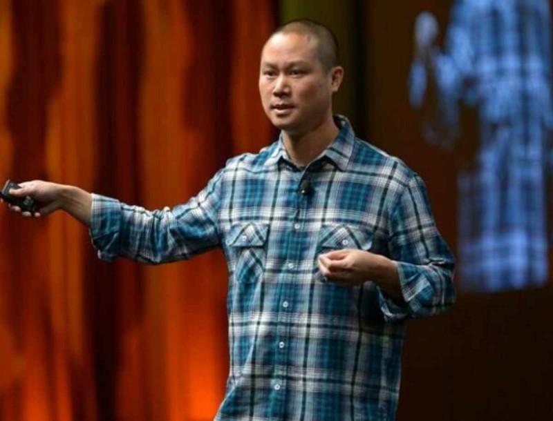 Πέθανε ο ιδρυτής της Zappos, Tony Hsieh