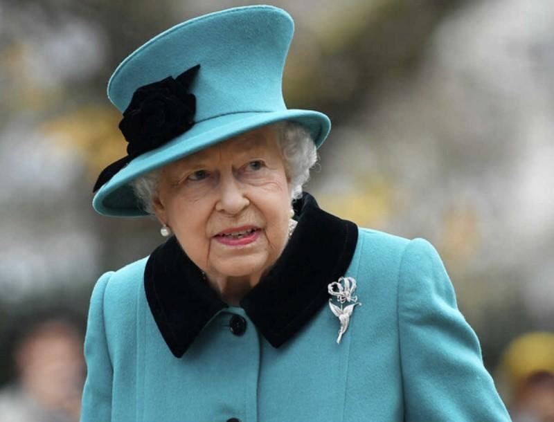 Αφήνει τον θρόνο η Βασίλισσα Ελισάβετ - Σε αναβρασμό το Buckingham