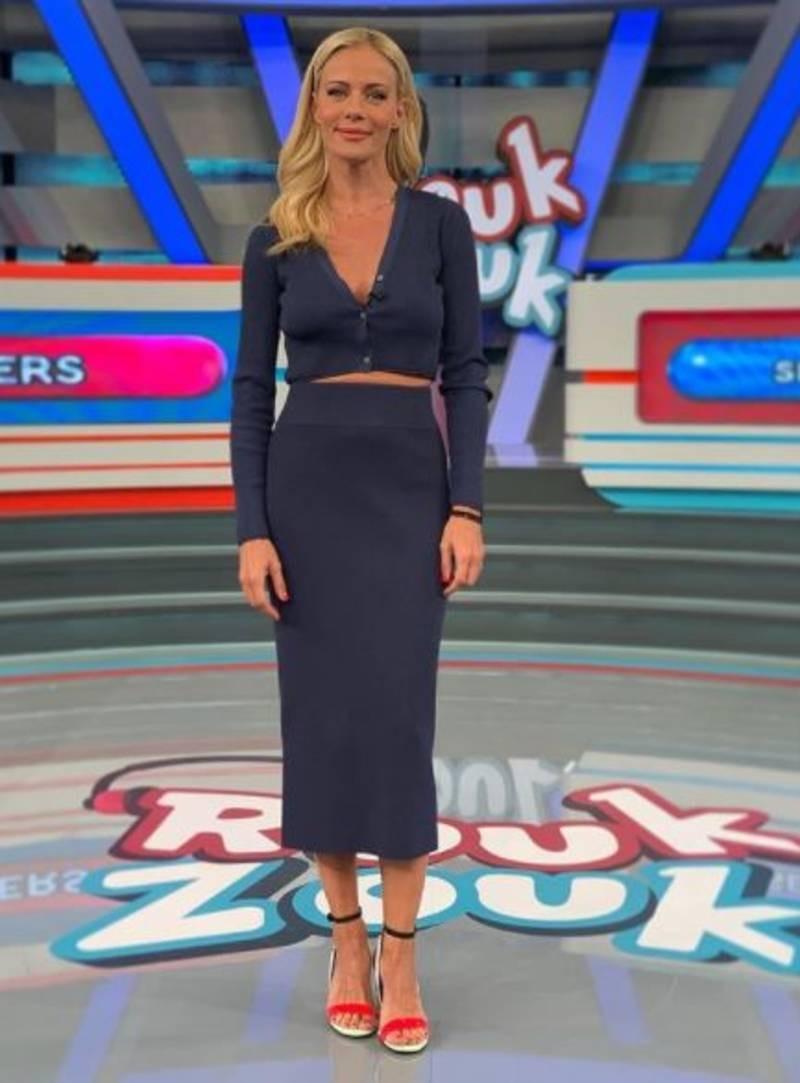 Ζέτα Μακρυπούλια Zara φούστα