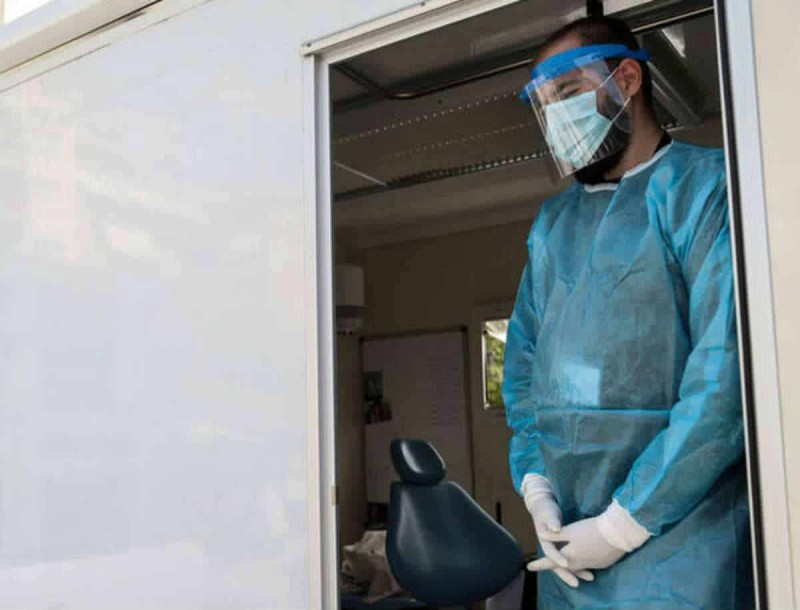 Κορωνοϊός: 1.383 κρούσματα στη χώρα - 98 θάνατοι - 594 διασωληνωμένοι