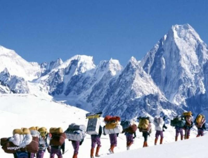 Τραγωδία στο Ιράν: Νεκροί 8 ορειβάτες και 12 αγνοούμενοι λόγω έντονης χιονοθύελλας