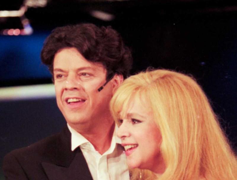 Πρωτοχρονιά 1995: Σπάνιο υλικό από το show του Βλάσση Μπονάτσου με την Αλίκη Βουγιουκλάκη και τον Στέλιο Ρόκκο