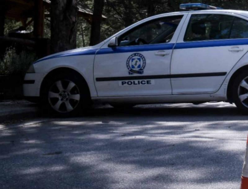 Τροχαίο αστυνομικών στη Βούλα - Με κρανιοεγκεφαλικές κακώσεις νοσηλεύεται γυναίκα