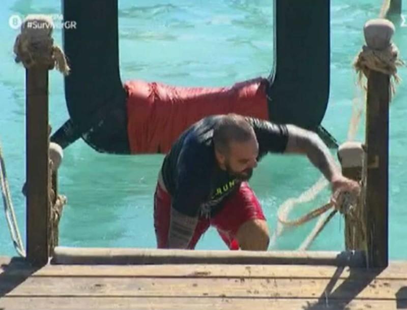 Survivor: Ο Τριαντάφυλλος σερνόταν στο πρώτο αγώνισμα - Έφτασε τελευταίος και καταϊδρωμένος