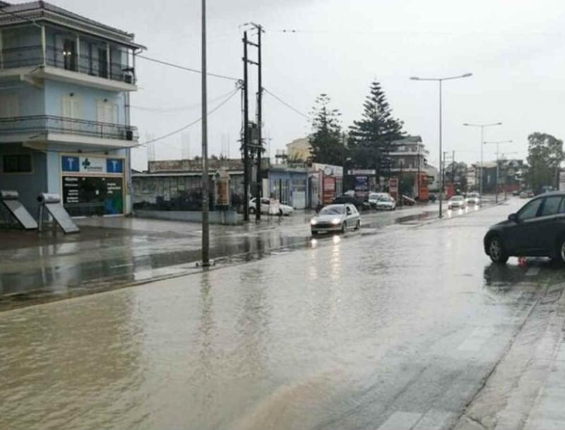 Καιρός: Πλημμύρες στην Ζάκυνθο - Ποτάμια οι δρόμοι