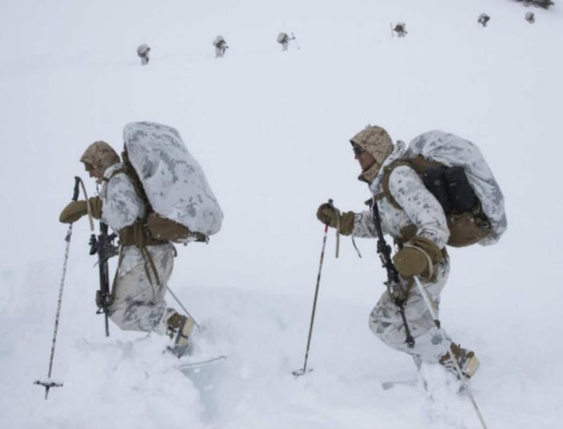 Θρίλερ στην Ρωσία: Νεκροί τρεις άνθρωποι από χιονοστιβάδα που έθαψε χιονοδρομικό κέντρο