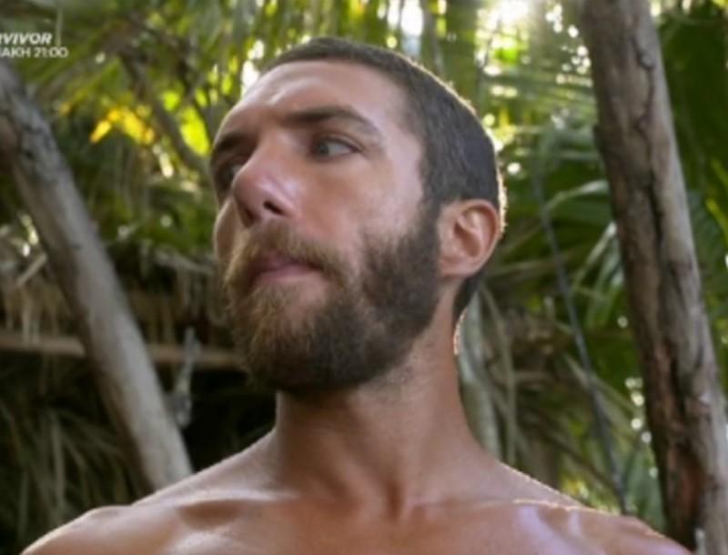 Survivor 4: Λαχτάρα για τους Κόκκινους - Μπήκε φίδι μέσα στην καλύβα τους