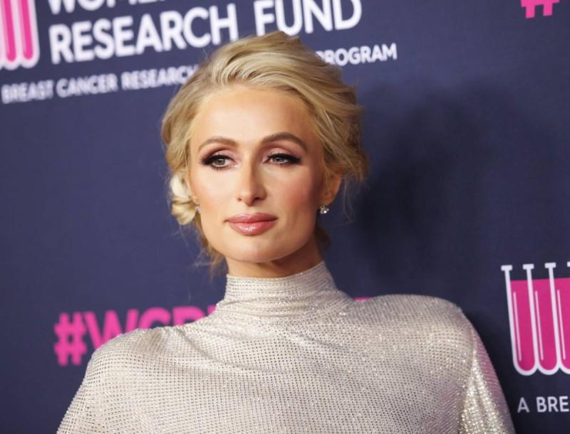 Έκανε εξωσωματική γονιμοποίηση η Paris Hilton