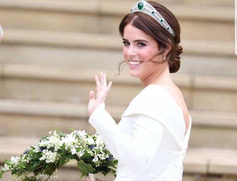 Γέννησε η πριγκίπισσα Ευγενία -  Ένατο δισέγγονο για την Βασίλισσα Ελισάβετ