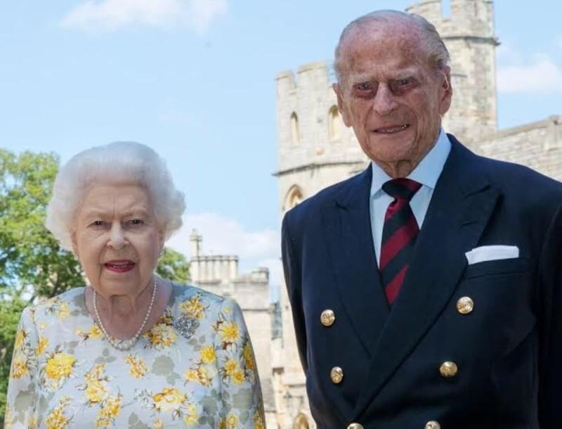 Αγωνία για την υγεία του Πρίγκιπα Φίλιππου - Παραμένει στο νοσοκομείο