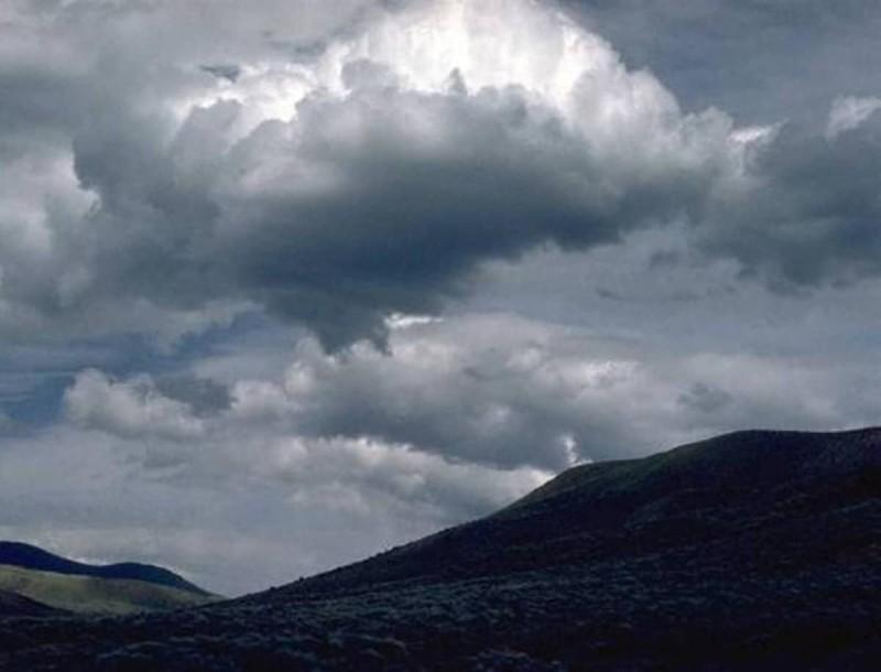 Καιρός: Τοπικές νεφώσεις και πτώση της θερμοκρασίας - Που θα βρέξει