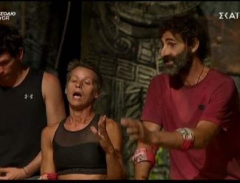 Survivor 4: Σοφία εναντίον Κοψιδά - «Με λες διπρόσωπη και βρίζεις πίσω από τις κάμερες»