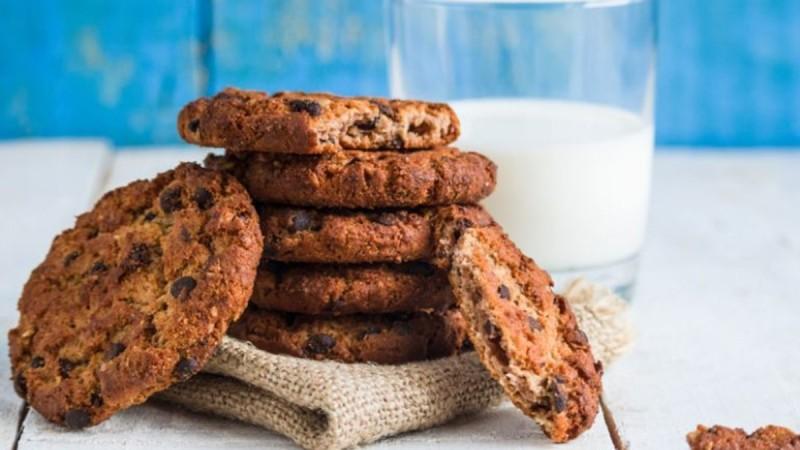 Πεντανόστιμα μπισκότα βρώμης από την Αργυρώ Μπαρμπαρίγου - Έτοιμα σε δέκα λεπτά