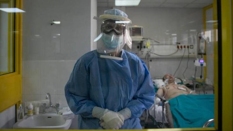 Κορωνοϊός: Συναγερμός στα νοσοκομεία - Απομένουν 70 ΜΕΘ