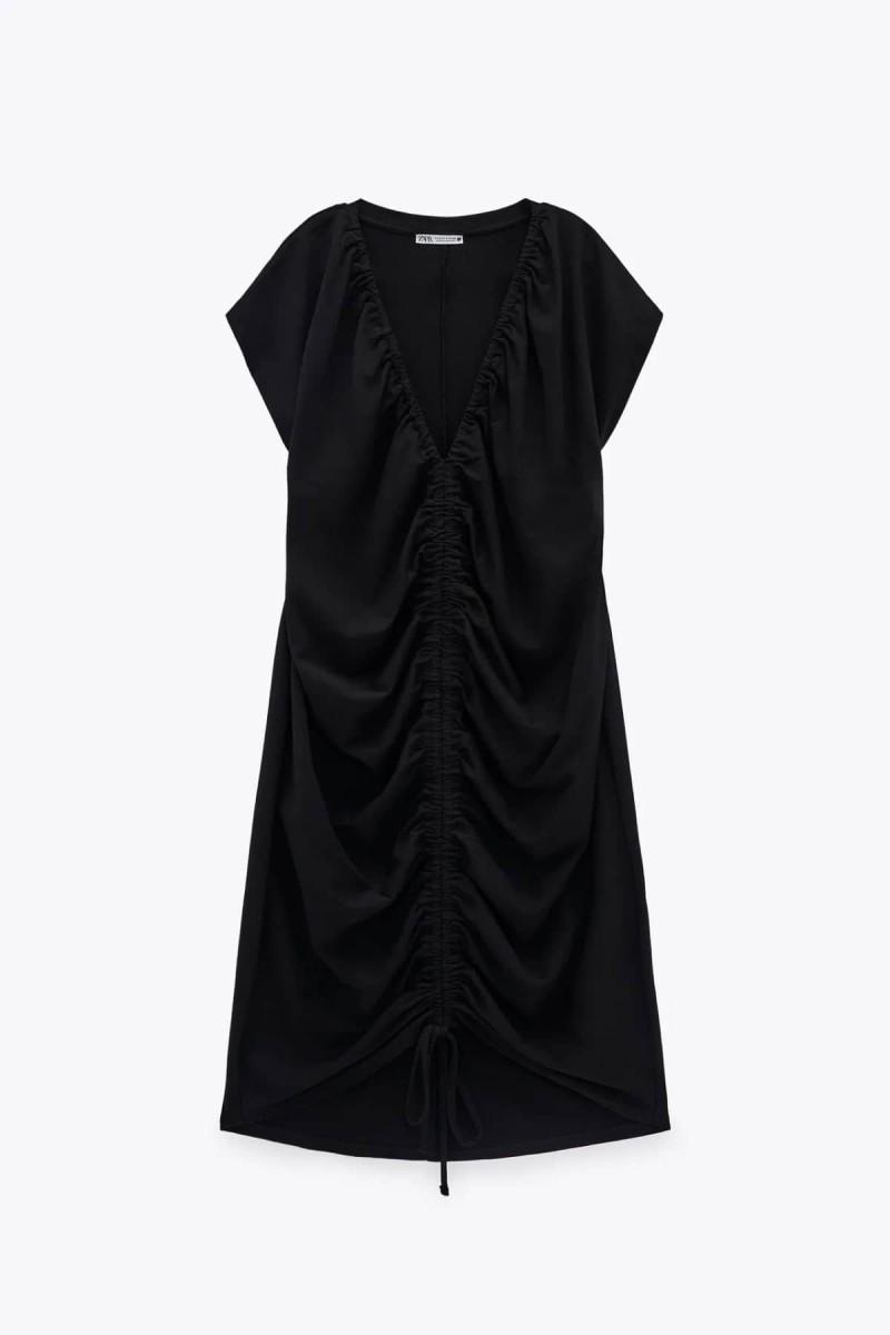 zara μαύρο φόρεμα με σούρες