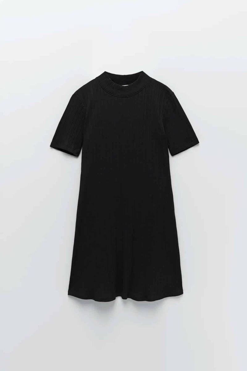 zara μαύρο φόρεμα με κοντό μανίκι