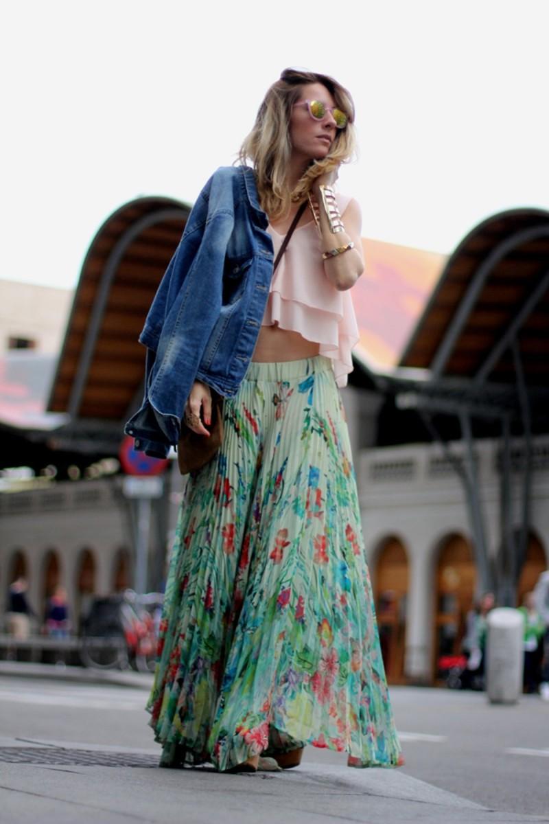boho φούστα με τζιν μπουφάν