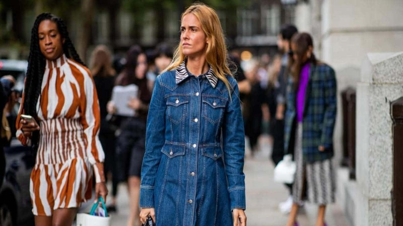 street style denim dress