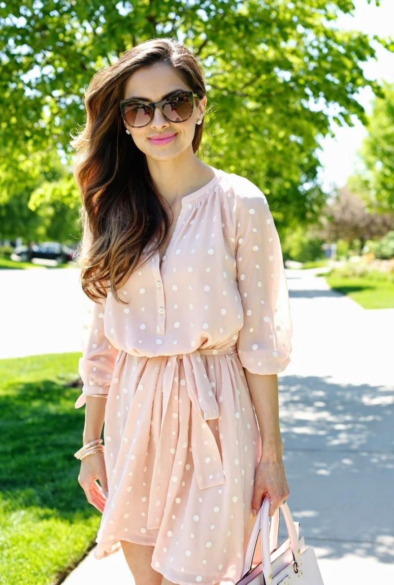 street style πουά φόρεμα