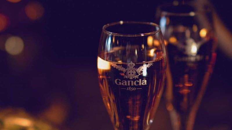 Γιορτάστε τις γυναίκες τις ζωής σας με Gancia Prosecco !
