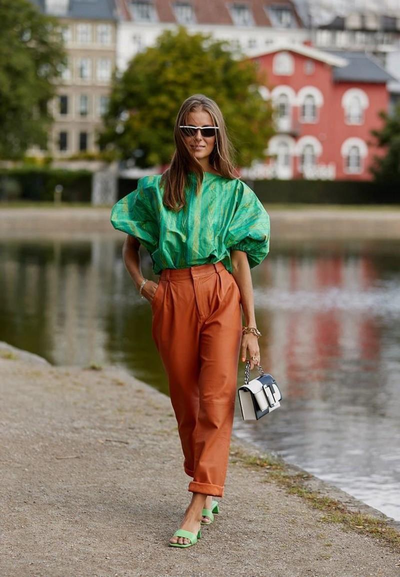 street style πράσινο πουκάμισο