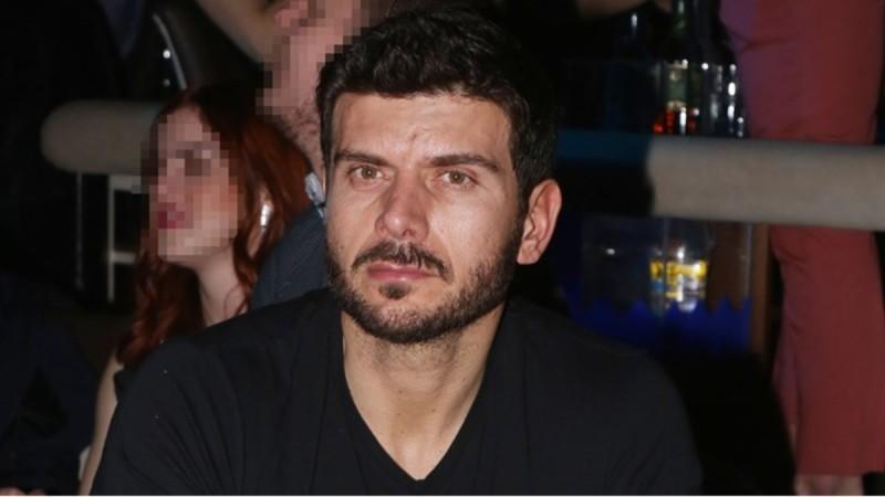Θρήνος για τον Μάνο Γαβρά - Πέθανε ο πατέρας του