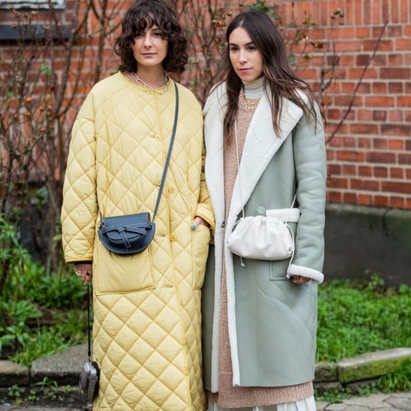 street style κίτρινα και γκρι σύνολα