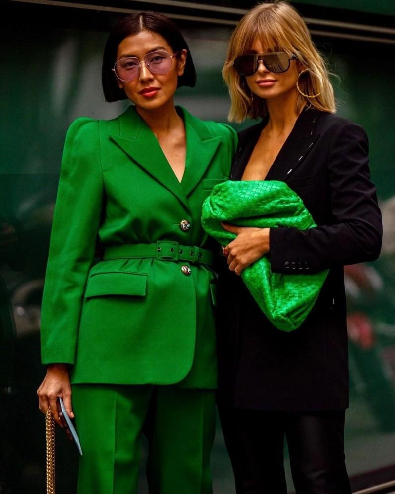 πράσινο κοστούμι