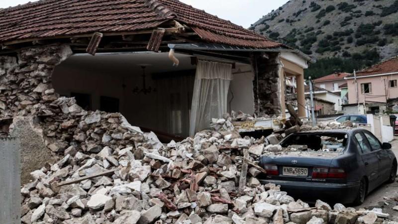 Σεισμός Ελασσόνα: Πέθανε ο ηλικιωμένος που σώθηκε από τα 6,3 Ρίχτερ